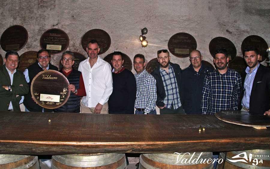 Reunión en bodegas Valduero